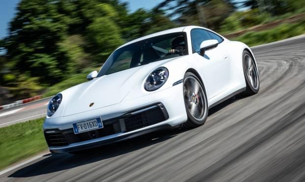Sul numero di giugno La prova della Porsche 911 Carrera S